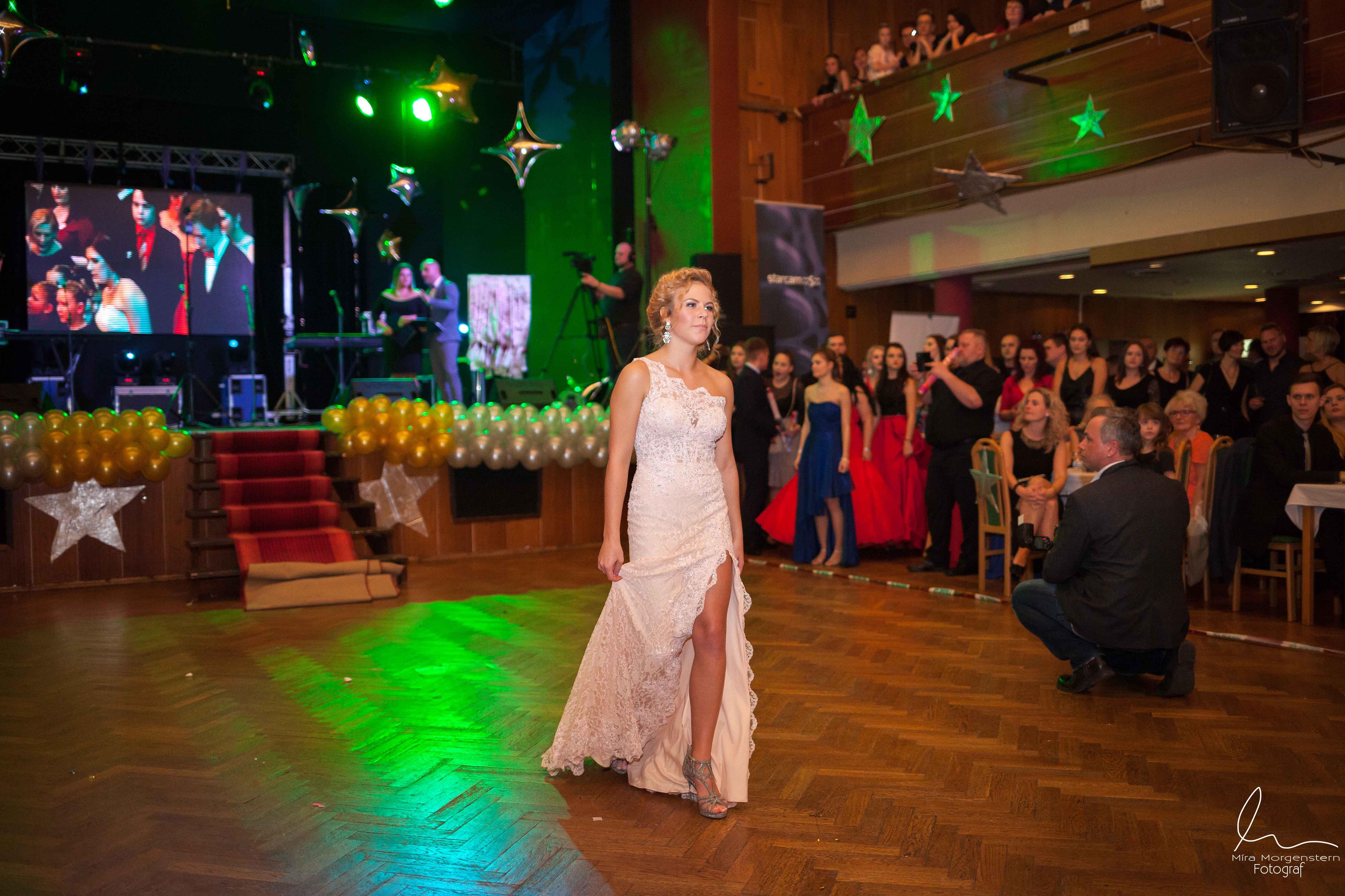 Fotograf - Fotograf maturitních plesů Most Praha- fotograf akcí party
