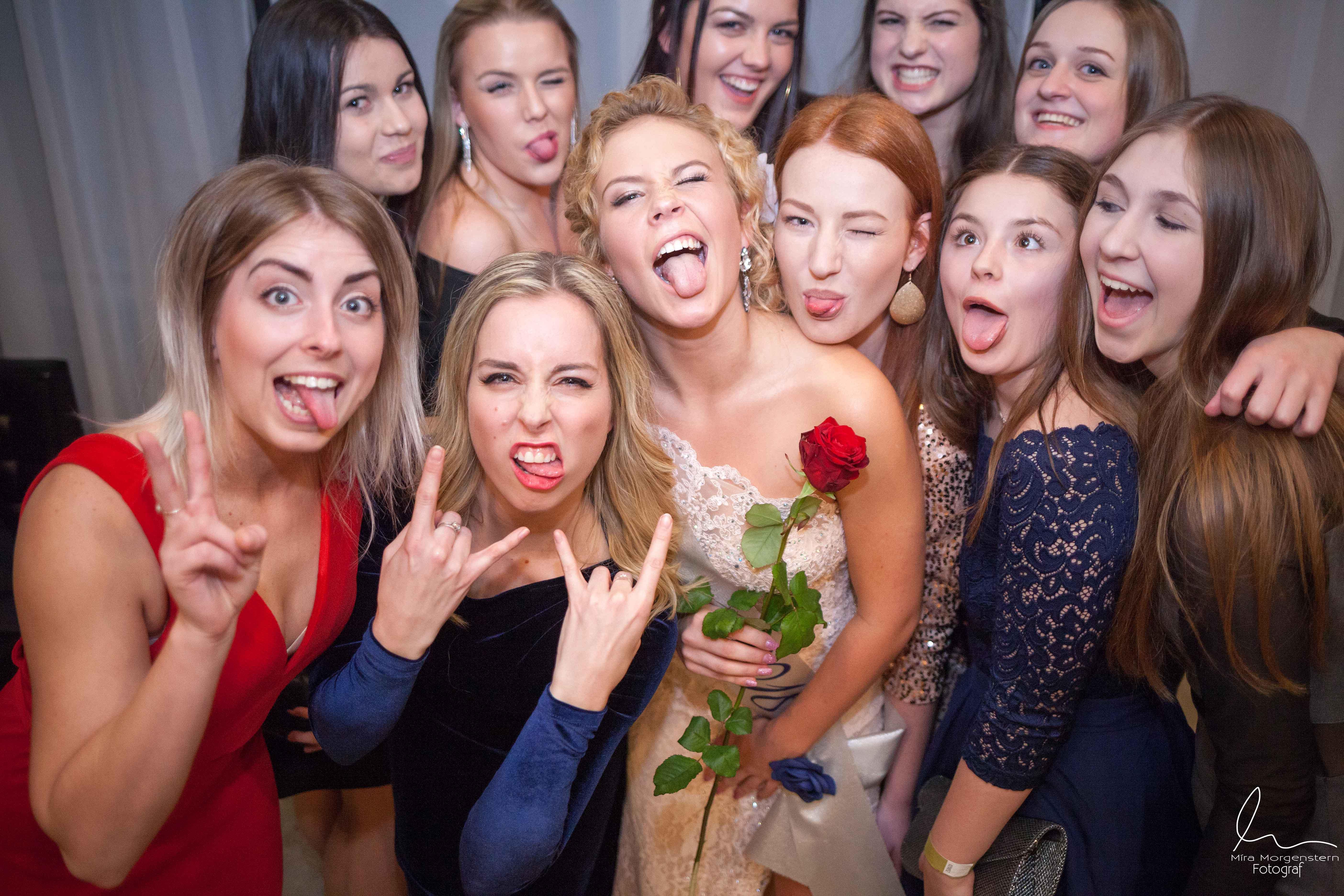 Fotograf - Fotograf maturitních plesů Most Praha- fotograf akcí partyFotograf - Fotograf maturitních plesů Most Praha- fotograf akcí party