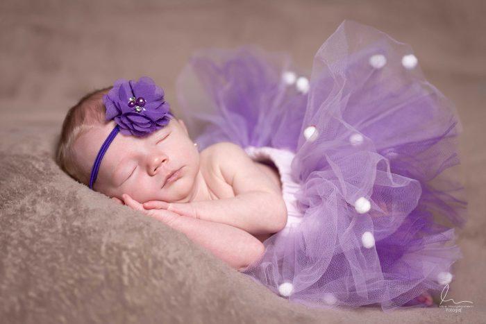 fotograf novorozence Fotograf newborn miminek těhu těhotenské foto Profesionální fotograf s atelierem Most