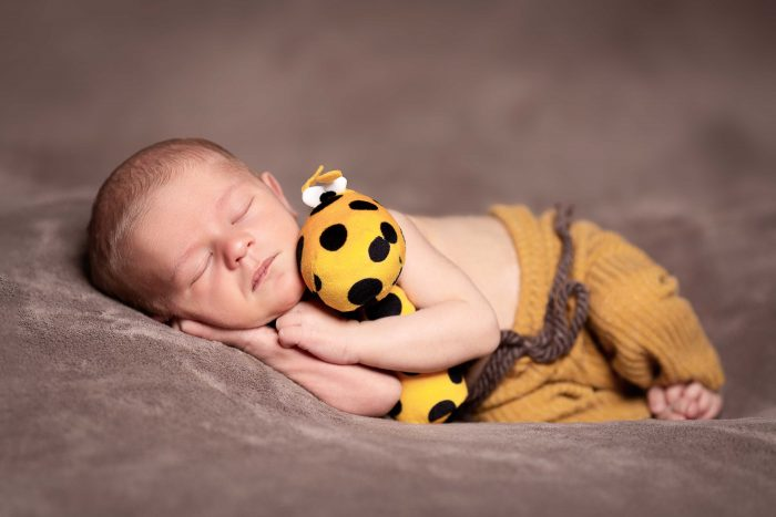 Fotograf newborn miminek těhu těhotenské foto Profesionální fotograf s atelierem Most